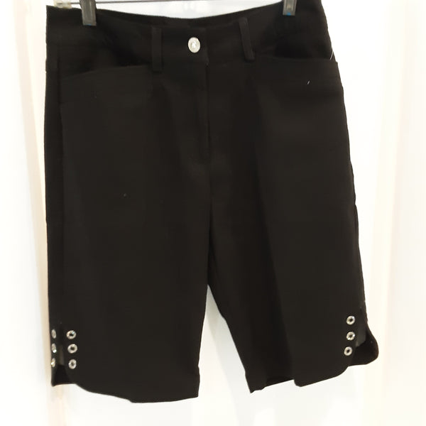 BERMUDA Shorts with Grommet details