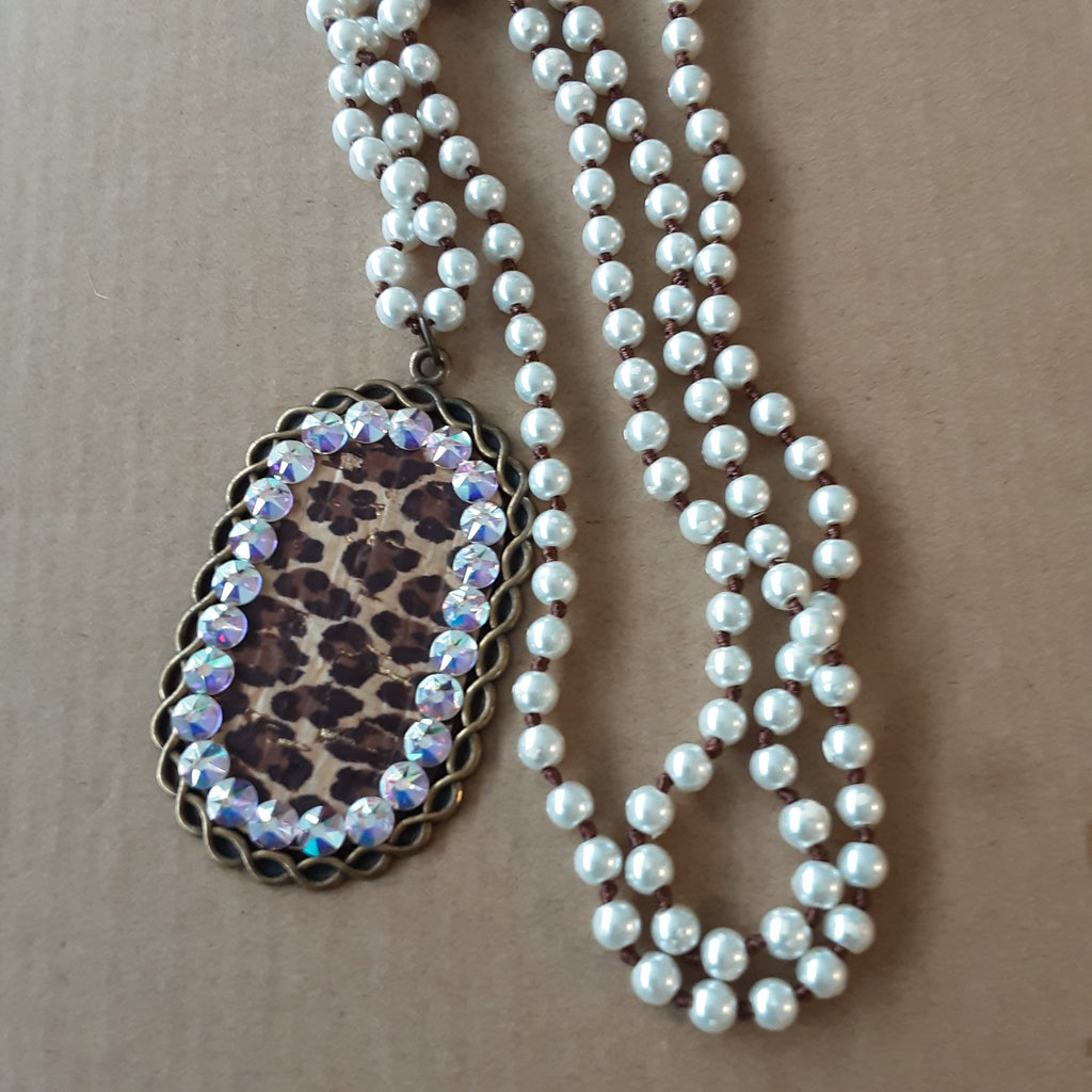 Leopard & Pearls Long Glitz Necklace