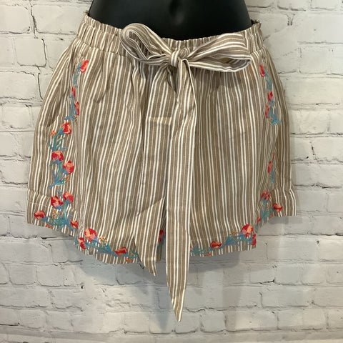Embroidery Shorts Tan & White Striped