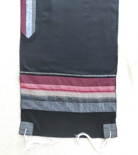 Elegant Gabrieli tallit - Red on Black