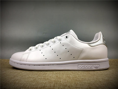 ADIDAS STAN SMITH BLANCAS Y GRIS - NIKEALWAYS
