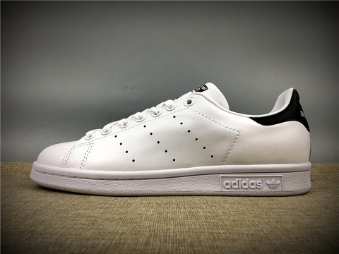 ADIDAS STAN SMITH BLANCAS Y NEGRAS - NIKEALWAYS