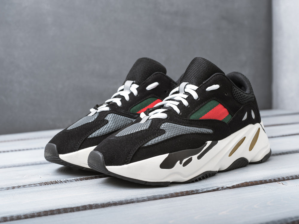 new arrival 7f9c2 cd08e adidas Yeezy 700 Wave Runner