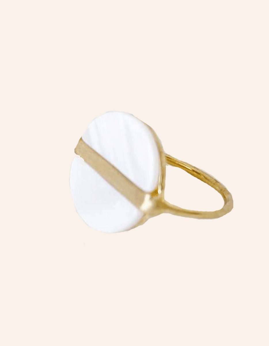 Bague Pastille Nacrée Or | Pearl Dot Ring Gold