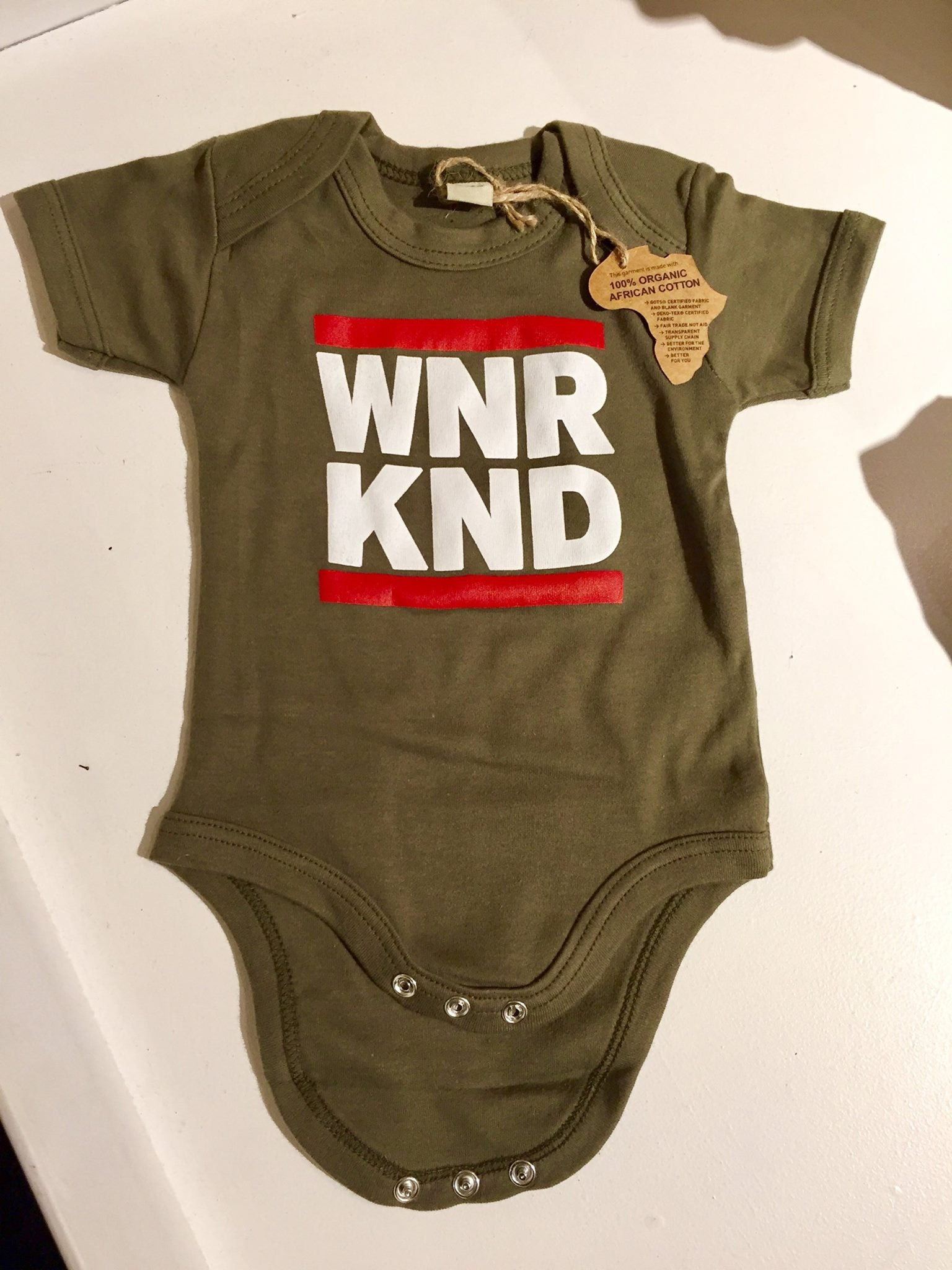 WNRKND Body red/white on olive