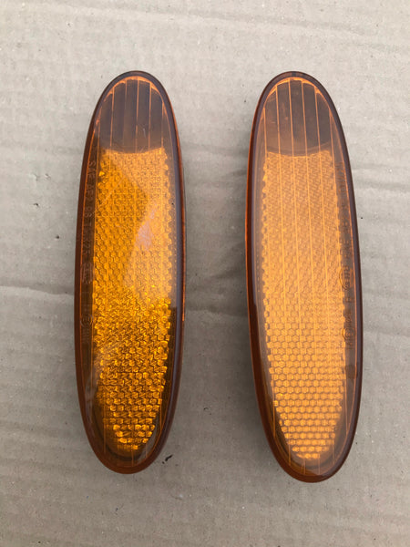 Daimler Jaguar X308 XJ8 Front Bumper reflector left & right