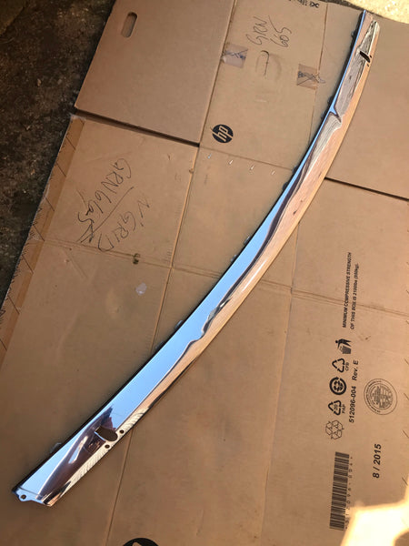Daimler Jaguar X300 Front Centre chrome stainless trim blade piece with Jet wash holes