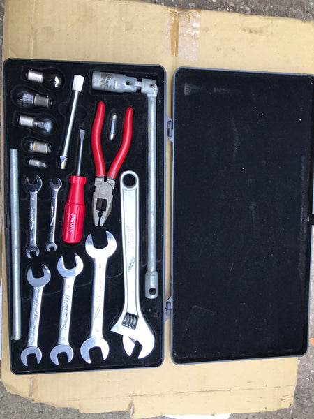 Jaguar Daimler XJ40 XJS chromed Tool Kit