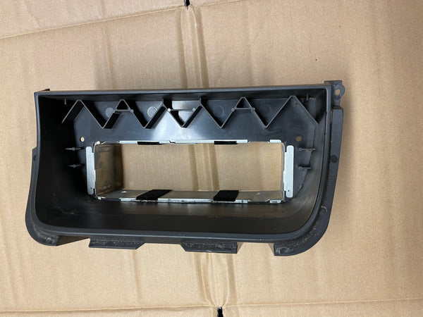 Daimler Jaguar X308 XJ8 stereo Radio surround mount LNC6318BB