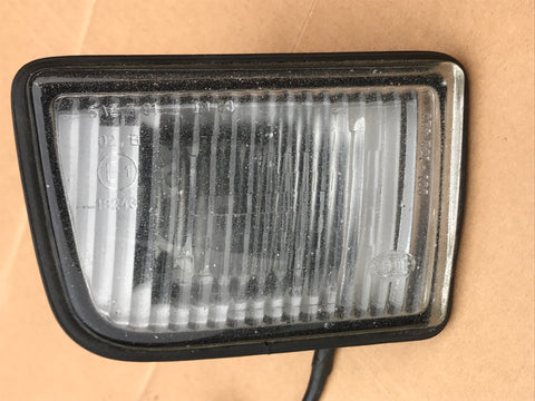 Jaguar XJ40 93-94 model built in RH OSF front fog lamp light DBC11788