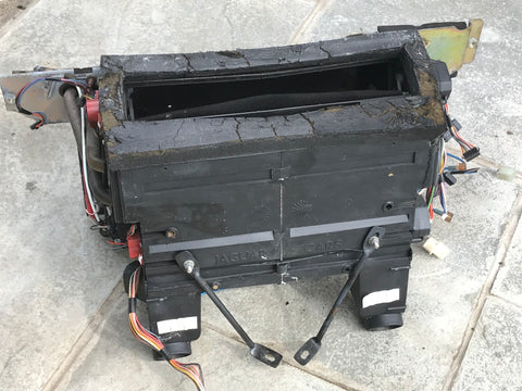 Jaguar XJ40 93-94 HVAC box Heater matrix (Non a/c version)