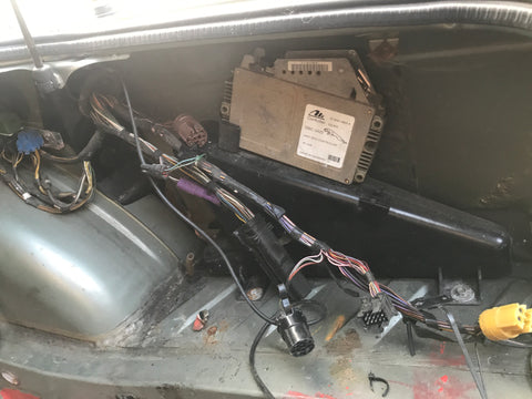Jaguar XJ40 91-92 wiring loom section cut out & ABS ECU.