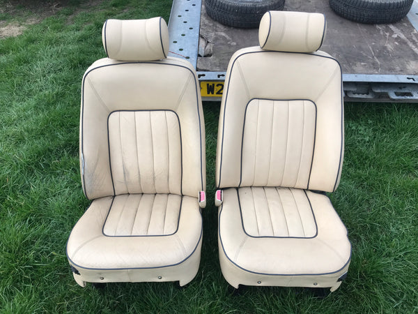 Daimler JAGUAR XJ40 93-94 AEM Magnolia Leather Front Seats Walnut Picnic Tables
