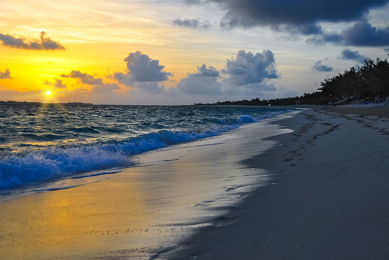 The sunrise never looked better. Visit Paradise Island in the Bahamas.