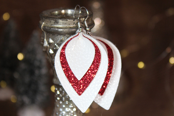 Red & White Christmas Teardrop Earrings