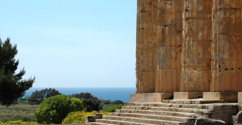 Visit the greek temples of Sicily