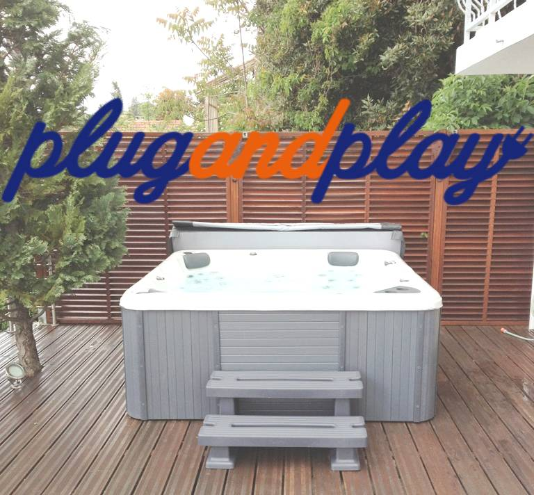 What are Plug & Play spas?