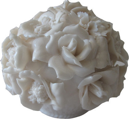 Beautifully delicate, vintage, white ceramic rose cluster petit l'objet. Could be a paperweight or a sweet tabletop adornment! Made in Japan. Perfect for the vintage collector or an individual looking to achieve that luxurious, high-end look in their home.