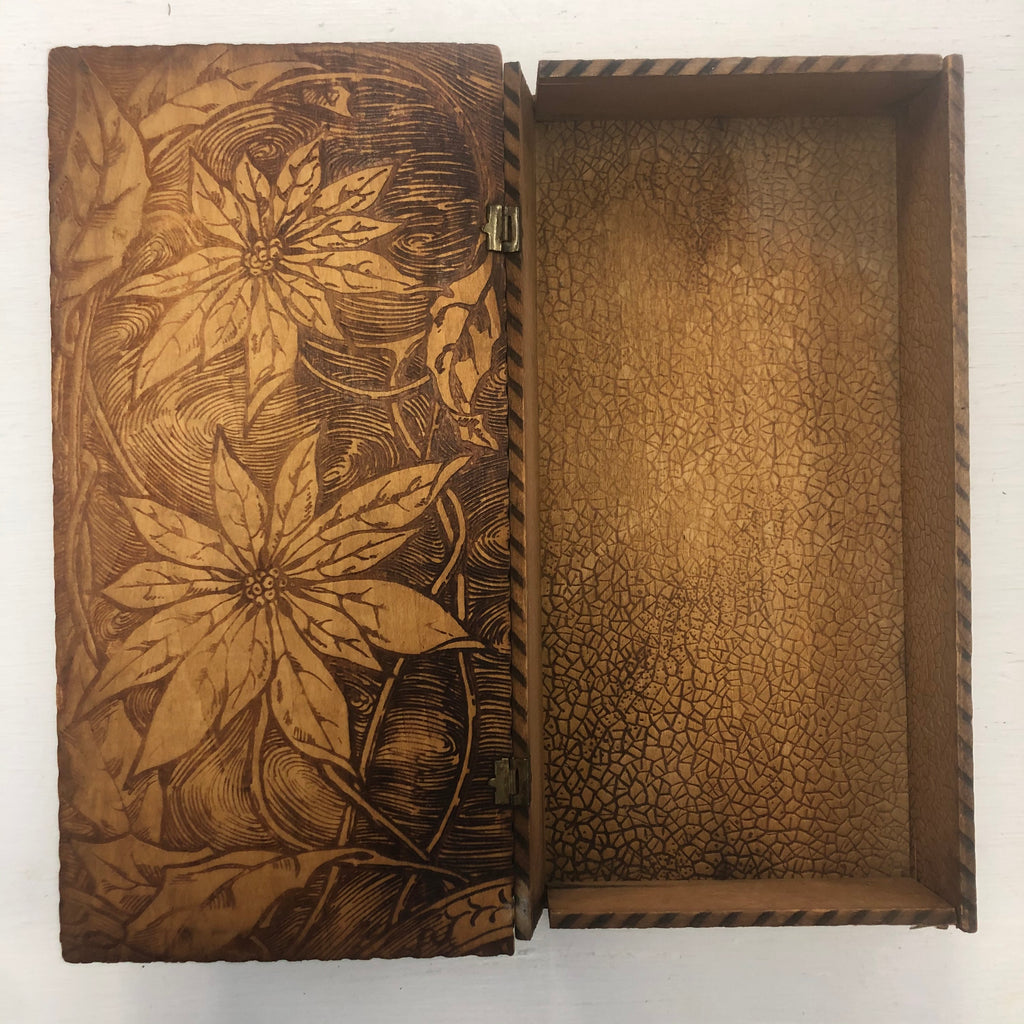 Tramp Art Cigar Box Poinsettia Flowers and Leaves Design