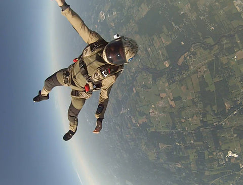 military skydiver