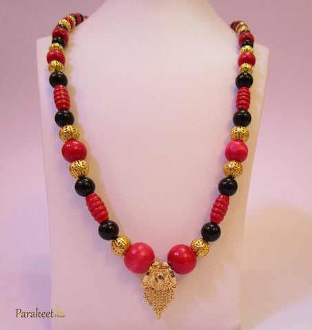 Tricolor Necklace with Gold Plated Pendant