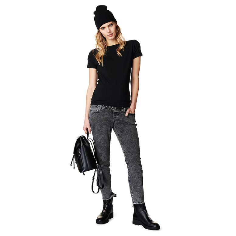 Supermom Plain Black Tee