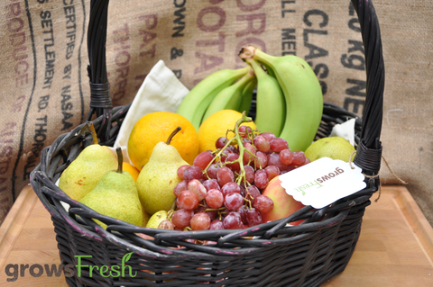Family Weekly Organic Fruit Box - 7 items - Approx. 5kg
