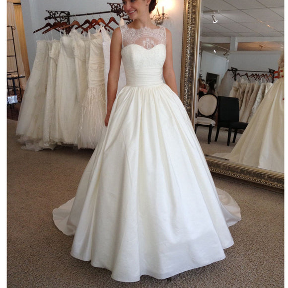 Modest Wedding Dresses: 2017 Vintage Elegant Lace Princess Country Ball Gown