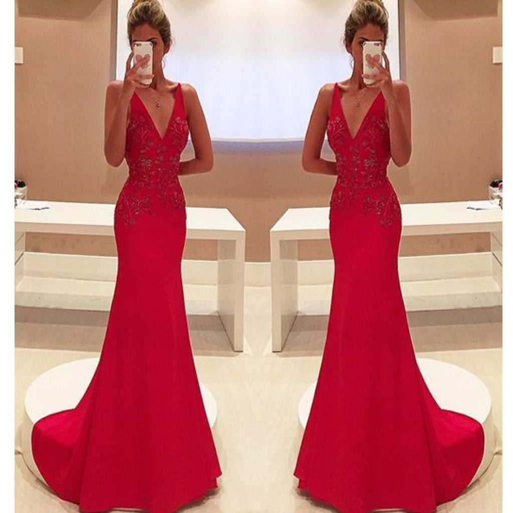 Red V-Neck Vintage Mermaid Elegant Formal Evening Party Long Prom Dresses. RG0170