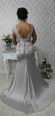 products/Silver_Lace_Top_Elastic_Satin_Mermaid_Sleeveless_Charming_Bridesmaid_Dresses_PB1066-2.jpg
