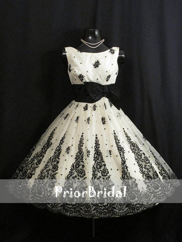 products/Vintage_Black_And_White_Lace_Elegant_Homecoming_Dresses_BD00216-1.jpg