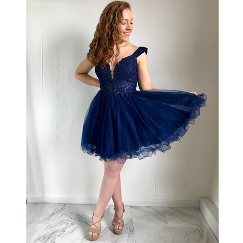 products/homecoming_dress_34dce28f-989e-483e-b189-ecdcf13866e7.jpg