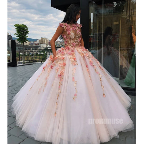 products/prom_dress_8ea08db5-fa03-4b65-aadd-52182542f506.jpg