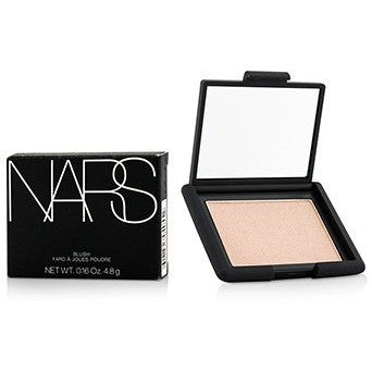 Features a weightless texture that blends easily. Developed with transpa...