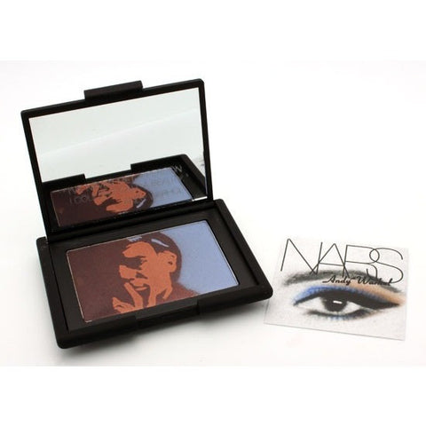 A portrait-themed eye shadow palette. With a fine texture that glides on...