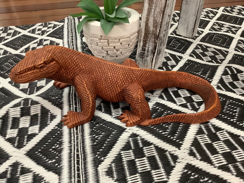 Komodo Dragon carving 40 cm