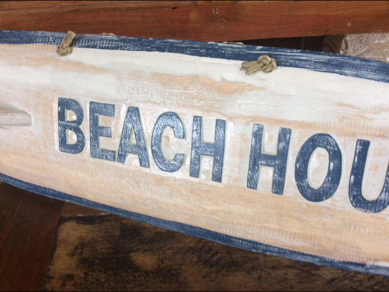 Surfboard Wall hanger - Beach House