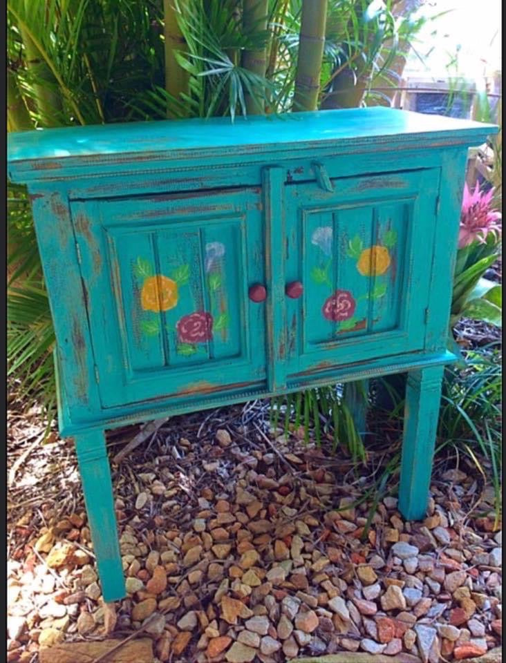 Light weight timber cabinet - Flower design