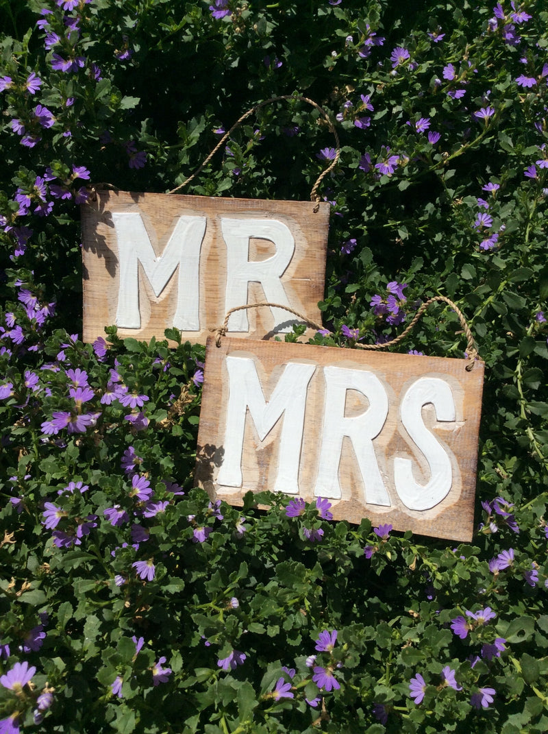 Mr and Mrs timber signs