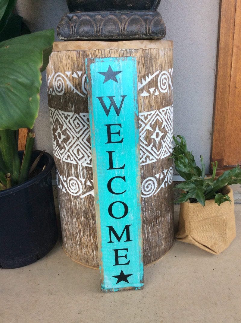 Welcome timber sign