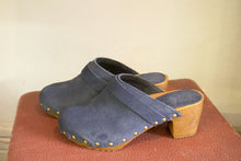 Laden Sie das Bild in den Galerie-Viewer, Clog - Nubuck Denim-Accessories-The ANJELMS Project