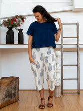 Load image into Gallery viewer, ¾ Pocket Pants - Kashmiri Leaf-Women-The ANJELMS Project