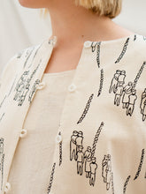 Load image into Gallery viewer, Reversible Jacket - People Gathering Print