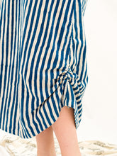 Load image into Gallery viewer, Pull Long Skirt - Indigo Stripe