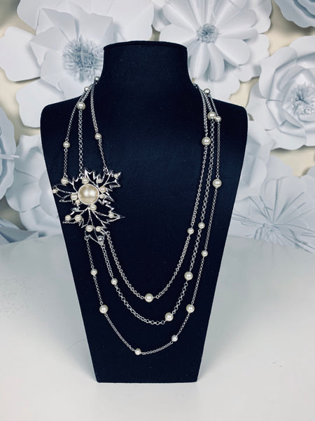 Necklace Feuille d'Erable Pearls