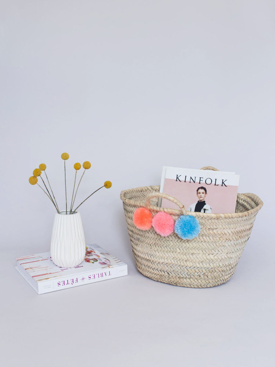 Mini Pom Pom Straw Bag