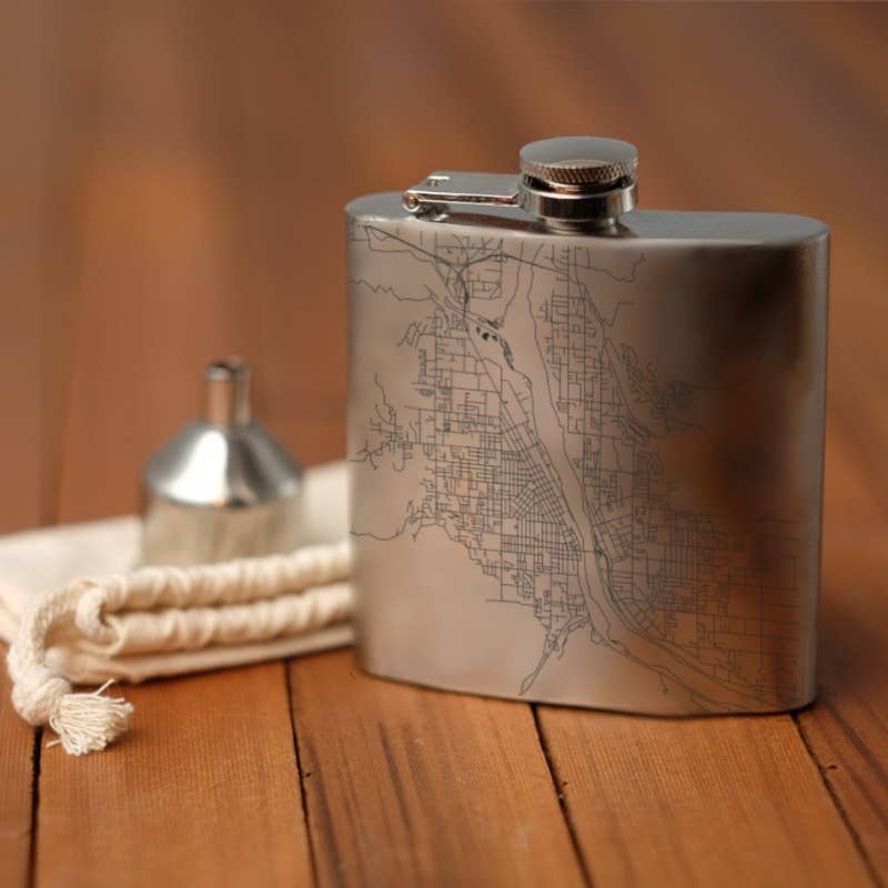 Wenatchee Map Hip Flask - Silver