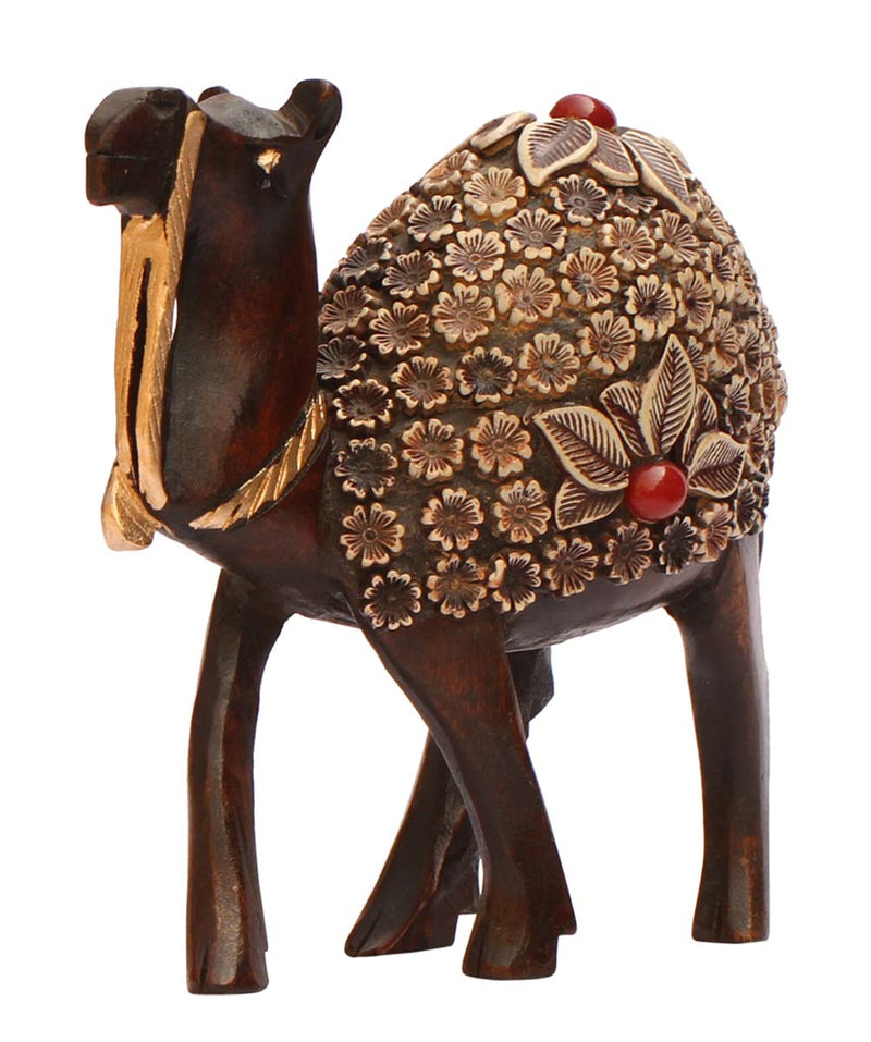 Camel with Red Stone Details