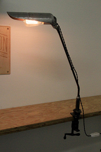 Clamping desk light