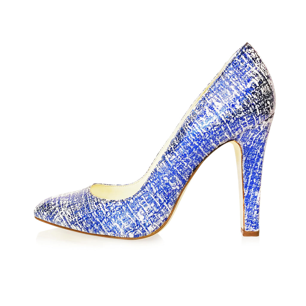 BLUE SCRATCH EFFECT LEATHER POINTED TOE PUMP
